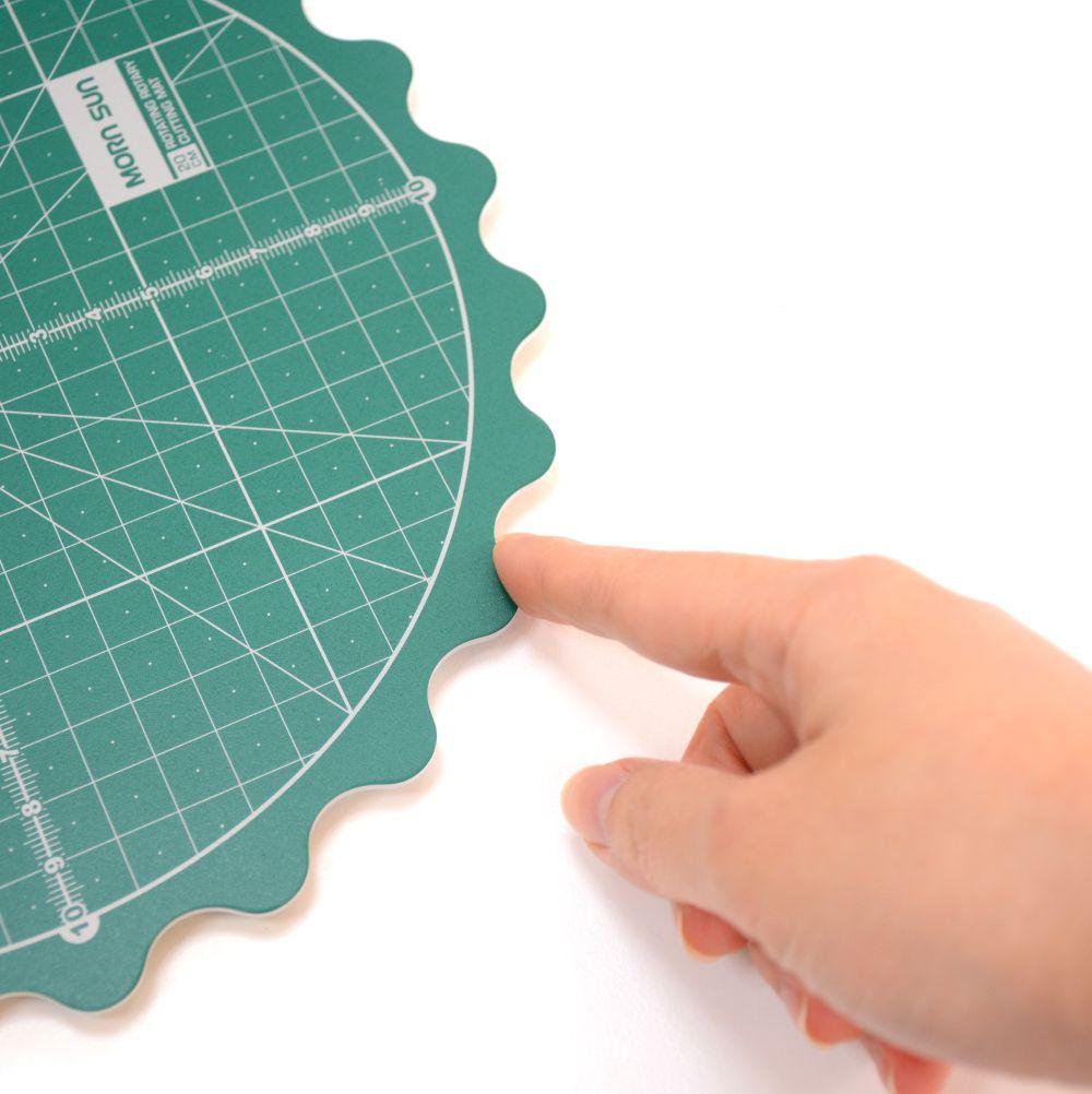 8 inch Scallop Edge Rotating Cutting Mat